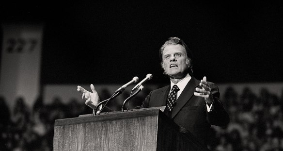 Billy-Graham-Speaking